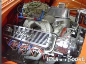 Chevrolet_BelAir_55_motor_454.jpg