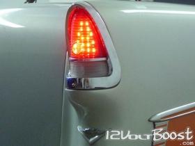 Chevrolet_BelAir_55_lanterna_traseira_LED.jpg