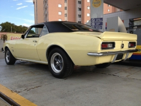 chevy_camaro_67_butternut_yellow_rear.jpg