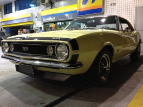 chevy_camaro_67_butternut_yellow_gas_station2.jpg