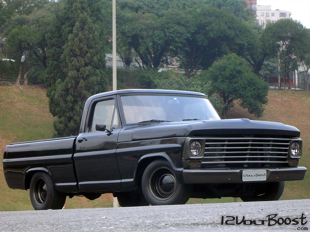 Ford_F100_Look_USA_1967_1979_Carro_roda_dia_a_dia.jpg