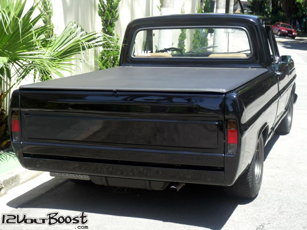 Ford_F100_Look_USA_1967_1979_Parachoque_Embutido_RollPan_Tampa_Cacamba_Lisa_Almofada_Shaved.jpg