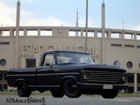 Ford_F100_Look_USA_1967_1979_Rebaixada_Suspensao_Fixa_Grade_Americana.jpg