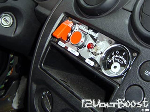 QRX-Ford-Fiesta-GT40-2007-Painel-Interruptores.jpg