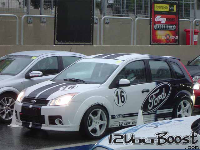 QRX-Ford-Fiesta-GT40-2007-Racing-Botao-Start.jpg