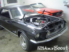 Ford_Mustang_68_Convertible_BlackPearl_01.jpg