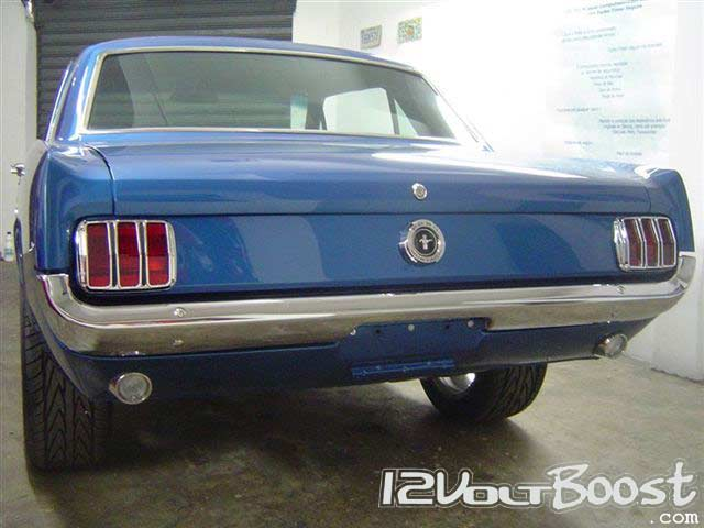Ford_Mustang_1st_Generation_Blue_01.jpg